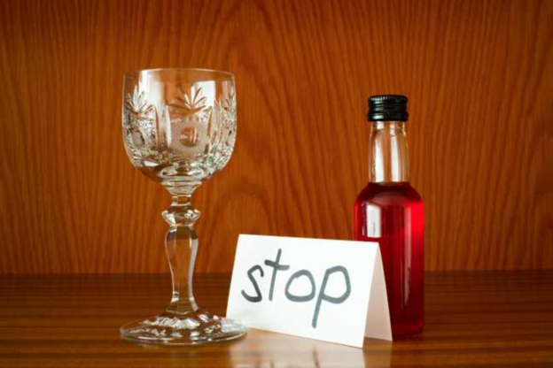 Alcohol Withdrawal and Detox: Timeline, Symptoms, and Treatment